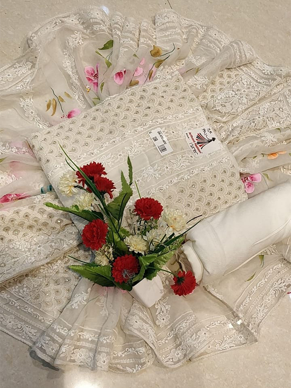 Designer Off White Color geoegette Suit With Chiffon Dupatta