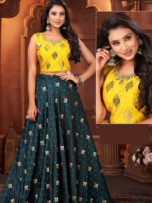 Designer Crop top with Skirt and Banarsi Vibin Work